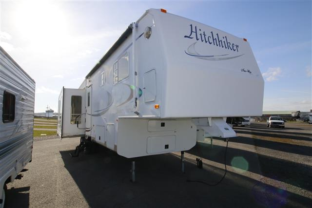 Used 2003 NuWa Hitchhiker 33 1/2 BWTG Fifth Wheel For Sale
